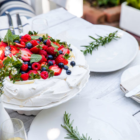 fresh berry pavlova