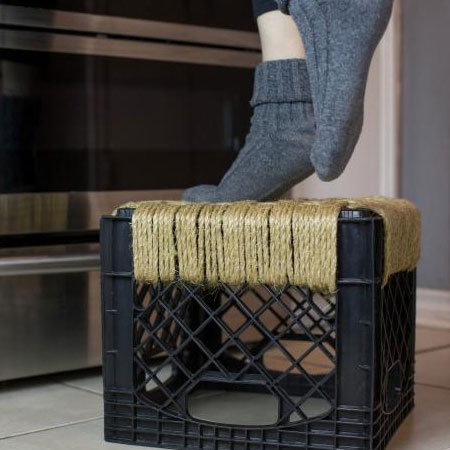 recycle plastic crate into step stool