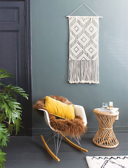 diamond pattern macrame wall hanging