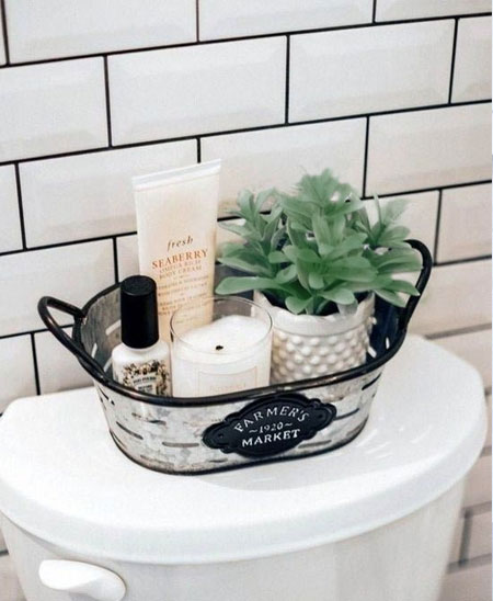 creative display for small bathroom