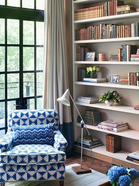 how to arrange and style books