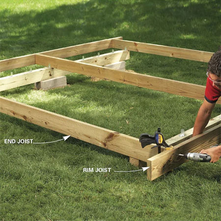 make freestanding deck