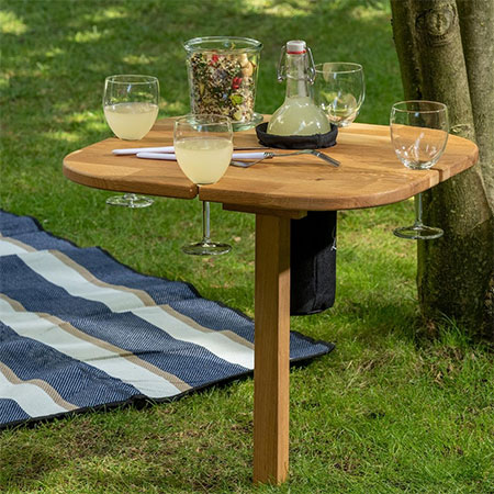 Make this DIY Drinks Table for the garden