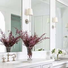 make bathroom feel larger