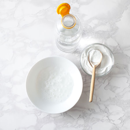 USE VINEGAR AND BICARBONATE OF SODA (BAKING SODA)