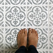 can you paint floor tiles with chalk paint