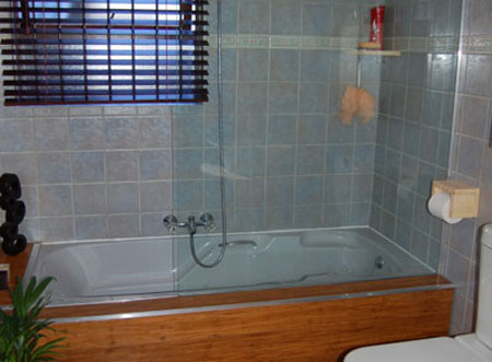 Home dzine shopping diy your home for Builders bathroom warehouse