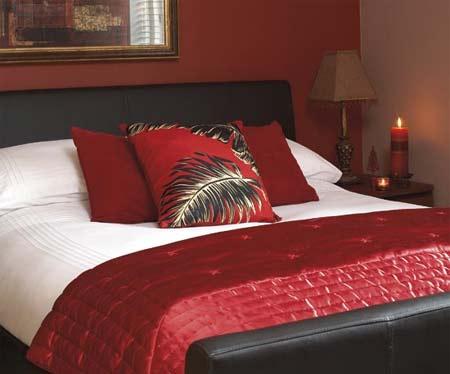 HOME DZINE Bedrooms | Romancing the bedroom