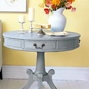 Table makeover with distressed technique