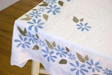 Home Dzine Craft Ideas Spray Painting A Tablecloth