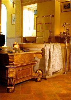 Bathroom Decorations on Co Za   Decor And Design   The Rich Earthy Colours Of Tuscan Decor