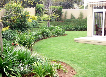 Home dzine garden give your garden a makeover for Garden designs in south africa