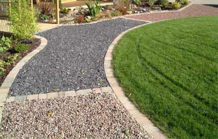 Home dzine garden lay a gravel path in a weekend for Gravel path edging ideas