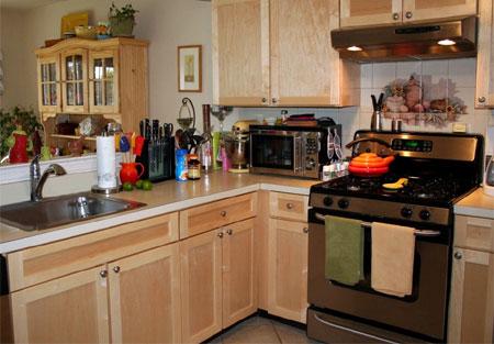 Laminate kitchen cabinets refacing kitchen cabinets for Average price of refacing kitchen cabinets