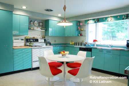 i stumbled across retro renovation purely by accident and immediately fell in love with the kitchen makeover featured on the site - Kitchen Steel Cabinets